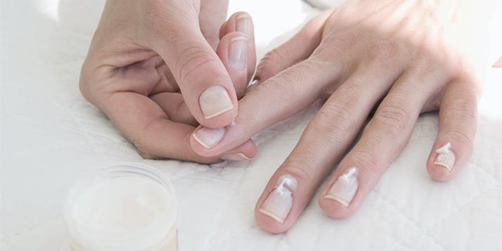 hidratarea unghiilor iarna