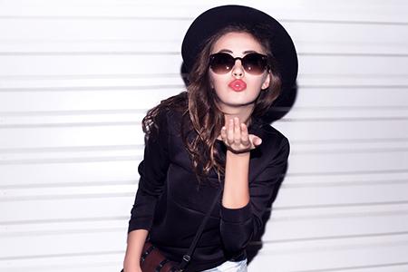 Marele test al rujurilor: Care rezistă cu adevărat la sărut?
